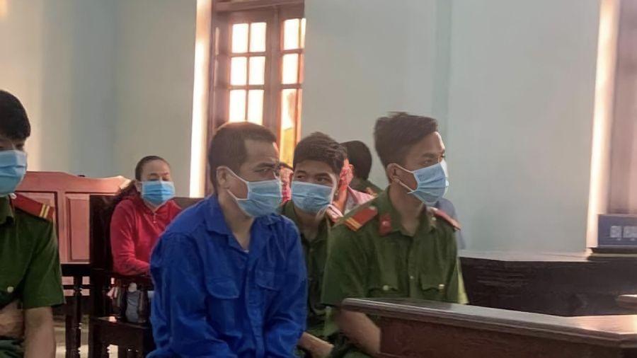 Lại hoãn xử vụ thầy giáo dâm ô nhiều nam sinh