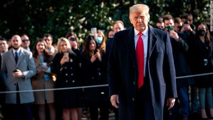 Tòa Tối cao một ngày giáng hai 'cú đấm' vào ông Trump