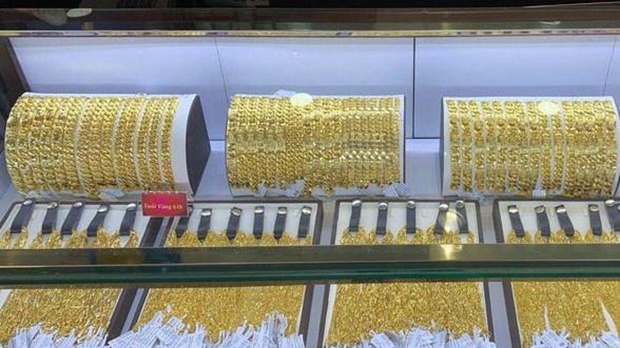Doanh thu vàng miếng của PNJ tăng vọt
