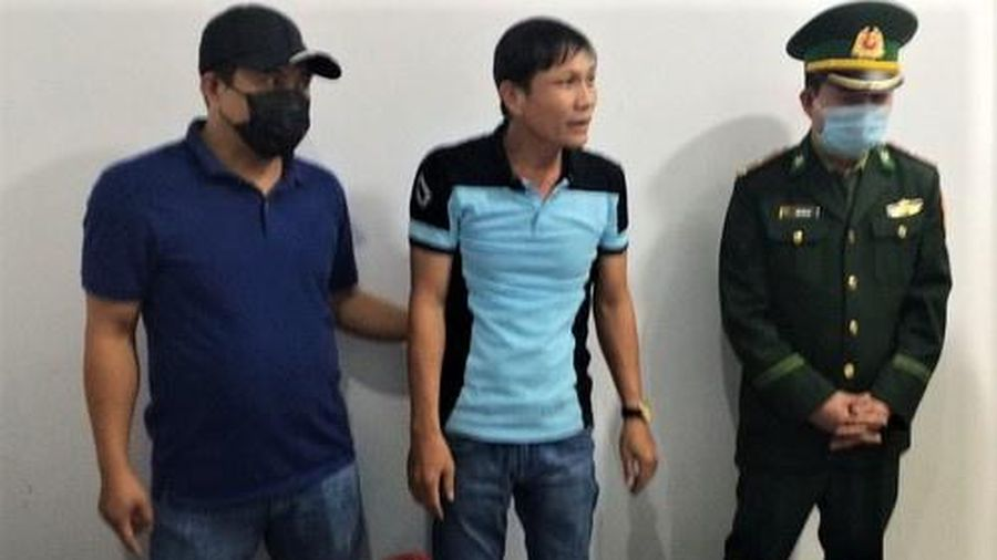 Vượt biên vào Việt Nam cùng 3 kg ma túy đá