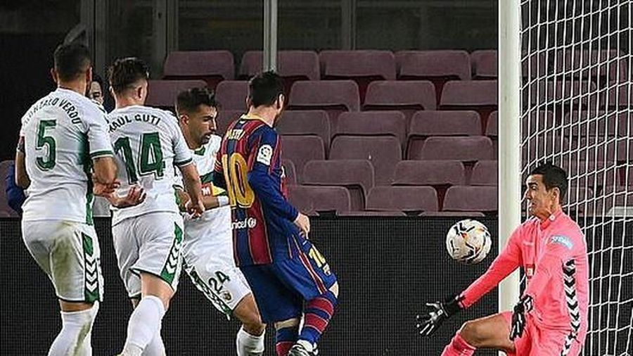 Messi 'bỏ rơi' Suarez trong cuộc đua tới danh hiệu Vua phá lưới La Liga 2020-2021