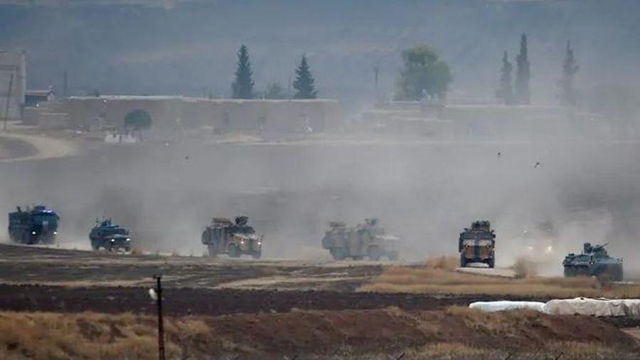Khủng bố đột kích bất ngờ, khai hỏa súng cối khiến binh sĩ Nga phải rút khỏi trạm kiểm soát tại Syria