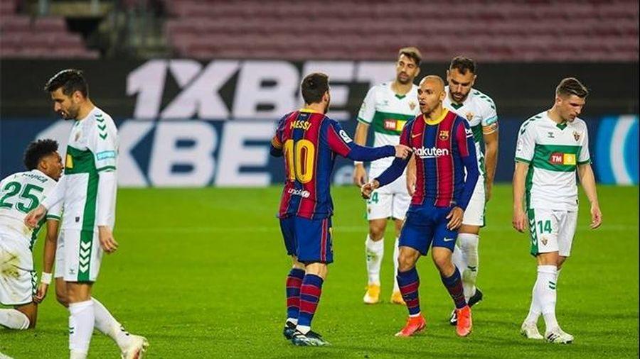 Messi tỏa sáng, Barcelona thắng đậm để trở lại top 3