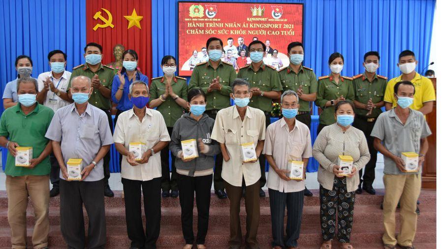 'Hành trình nhân ái' cho người cao tuổi tại Tiền Giang
