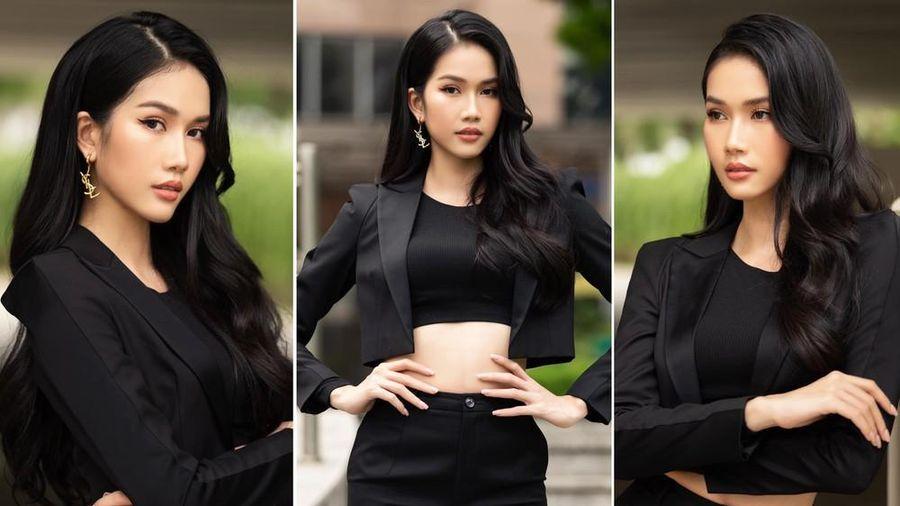 Á hậu Phương Anh mặc áo crop-top khoe vòng eo 'con kiến'