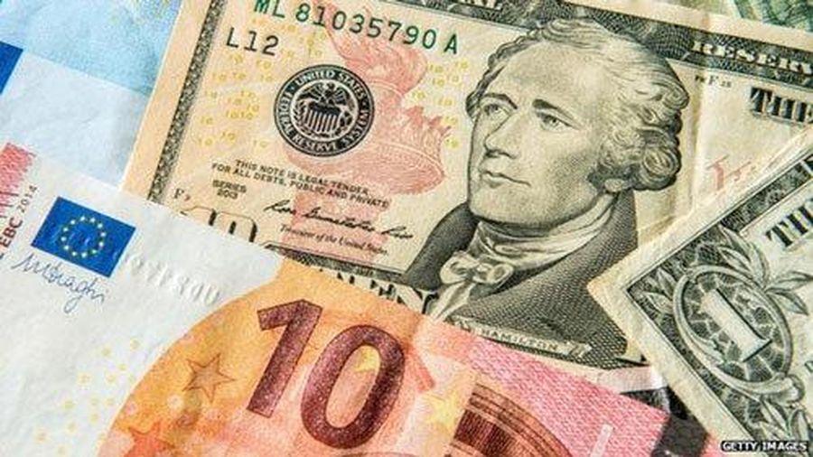 Tỷ giá ngoại tệ ngày 25/2: USD tăng vọt bất chấp Mỹ bơm tiền