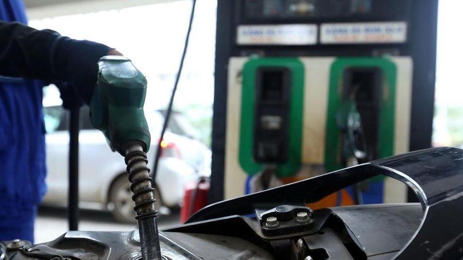 Bộ GTVT yêu cầu ngăn chặn vận chuyển, tiêu thụ xăng dầu giả