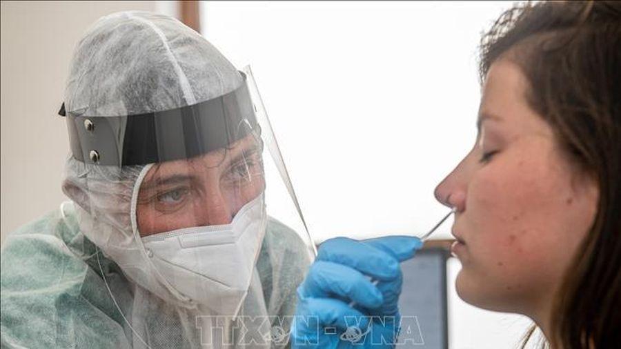 Số ca mắc COVID-19 và nhập viện tiếp tục gia tăng tại Bỉ