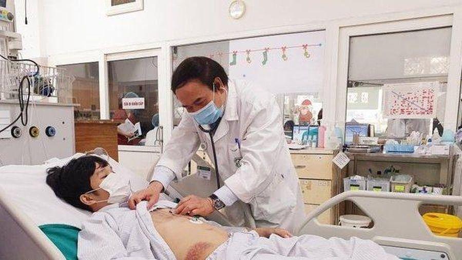 Chàng trai 25 tuổi đột ngột bị ngừng tim khi đang nằm nghỉ