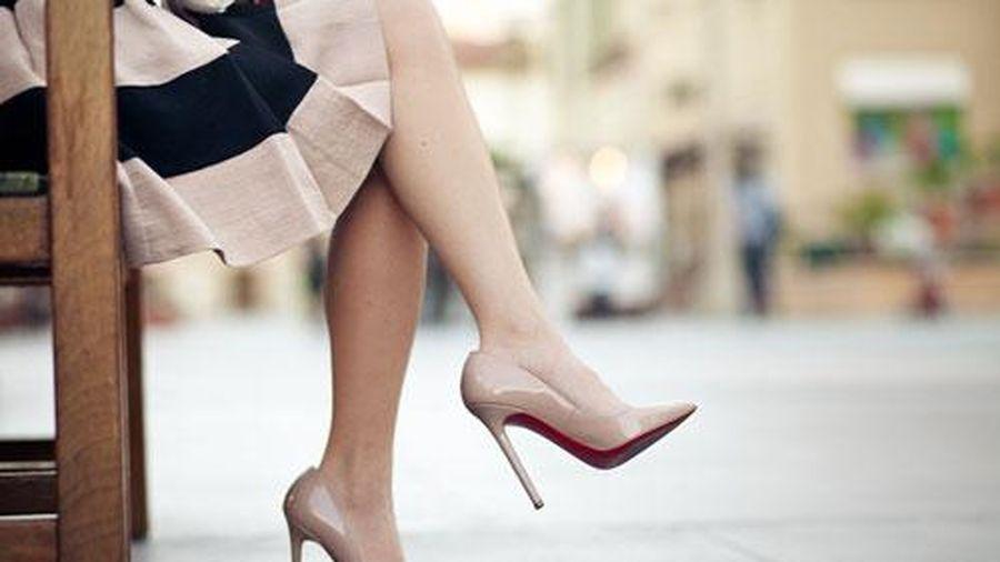 Tác hại không ngờ của việc đi giày cao gót quá nhiều