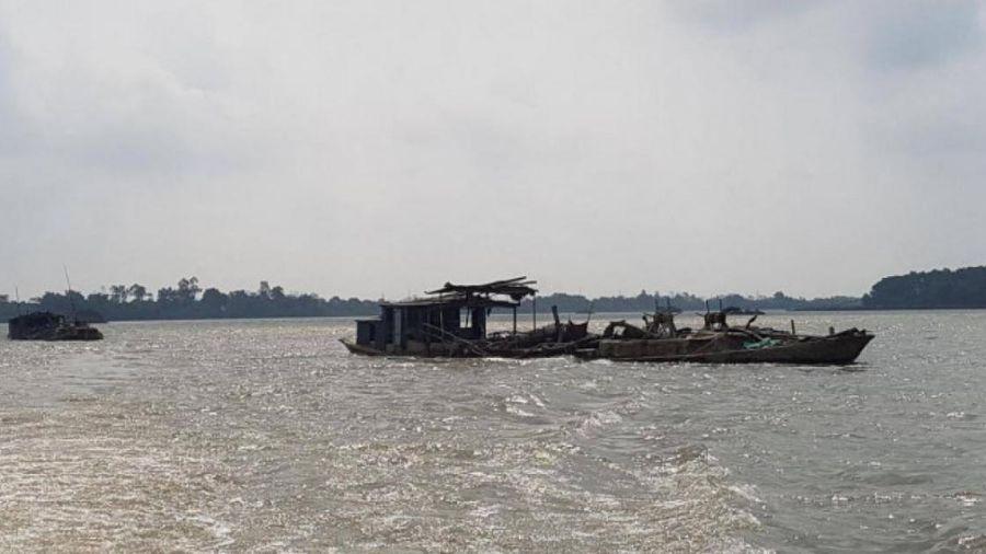Nguyên cán bộ thuộc Sở GTVT Ninh Bình bị bắt vì... khai thác cát trộm