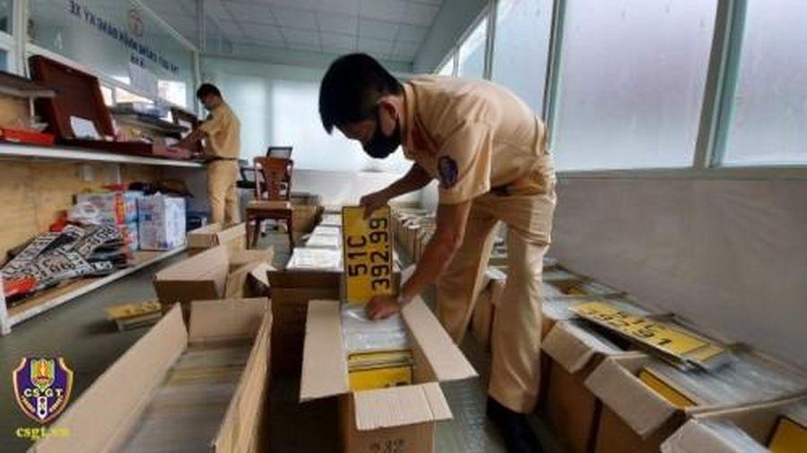 TP HCM đề nghị người dân và doanh nghiệp sớm đổi biển số màu vàng cho phương tiện kinh doanh vận tải