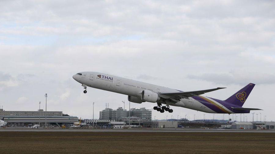 Thai Airways lỗ kỷ lục, tạm dừng niêm yết trên sàn giao dịch