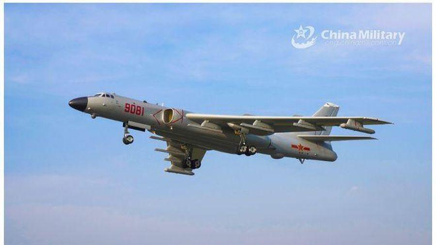 Loạt chiến đấu cơ Trung Quốc tập trận răn đe Mỹ