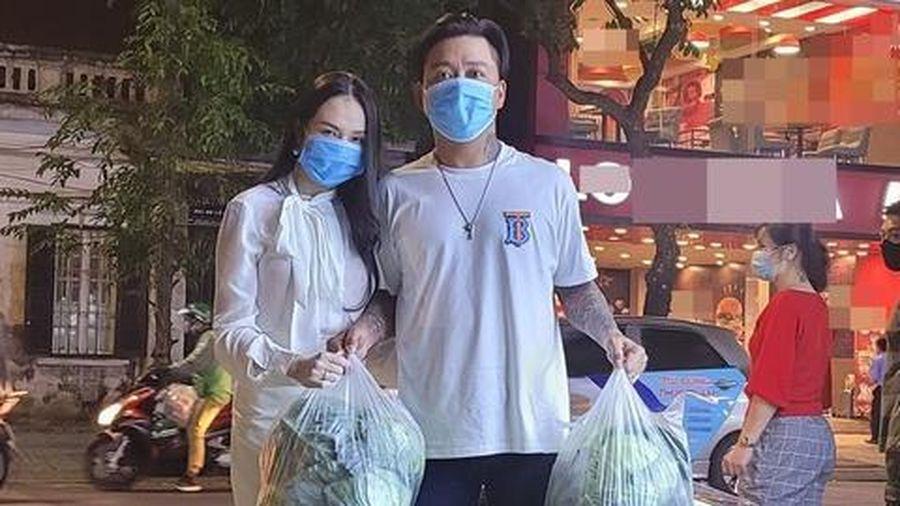 Tuấn Hưng 'giải cứu' 8 tấn nông sản Hải Dương