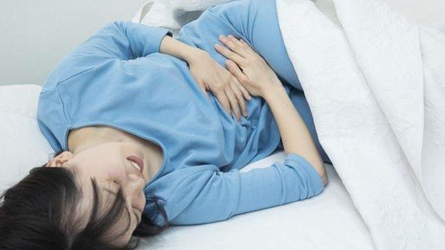 Nếu cơ thể có 4 biểu hiện lạ xuất hiện vào buổi sáng, bạn nên cẩn thận với nguy cơ mắc bệnh gan rất cao