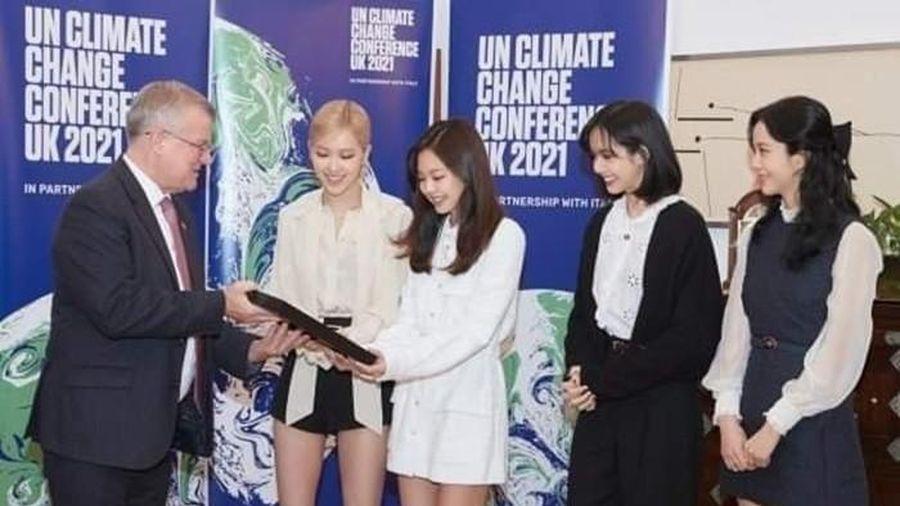 BLACKPINK lộ diện sau thông tin hẹn hò của Jennie, 4 cô gái mặc đồ đơn giản mà vẫn khoe được body cực đỉnh