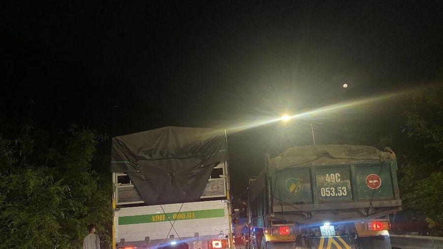 5 ô tô và 1 xe máy tông liên hoàn trên đèo Bảo Lộc