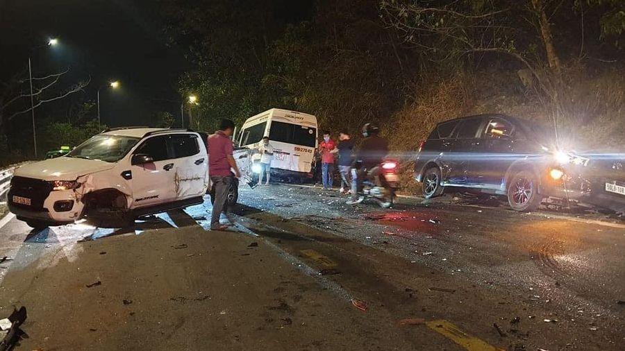 6 ôtô, 1 xe máy tông liên hoàn trên đèo Bảo Lộc