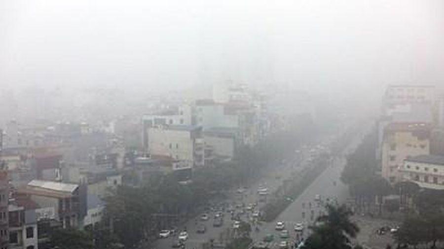Thủ đô Hà Nội nhiều mây, sáng và đêm có mưa nhỏ