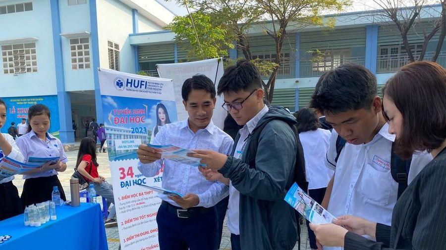 Trường ĐH Công nghiệp thực phẩm TP. HCM bắt đầu nhận hồ sơ xét tuyển học bạ
