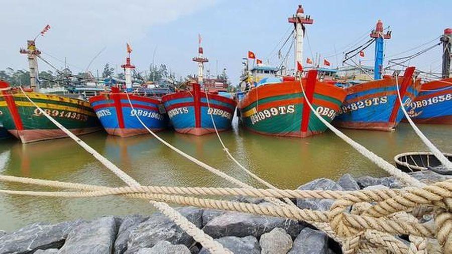 Ngư dân bị 'treo' tiền hỗ trợ đánh bắt xa bờ