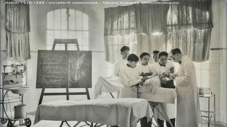 Tận mục cảnh đào tạo thầy thuốc Việt Nam 100 năm trước