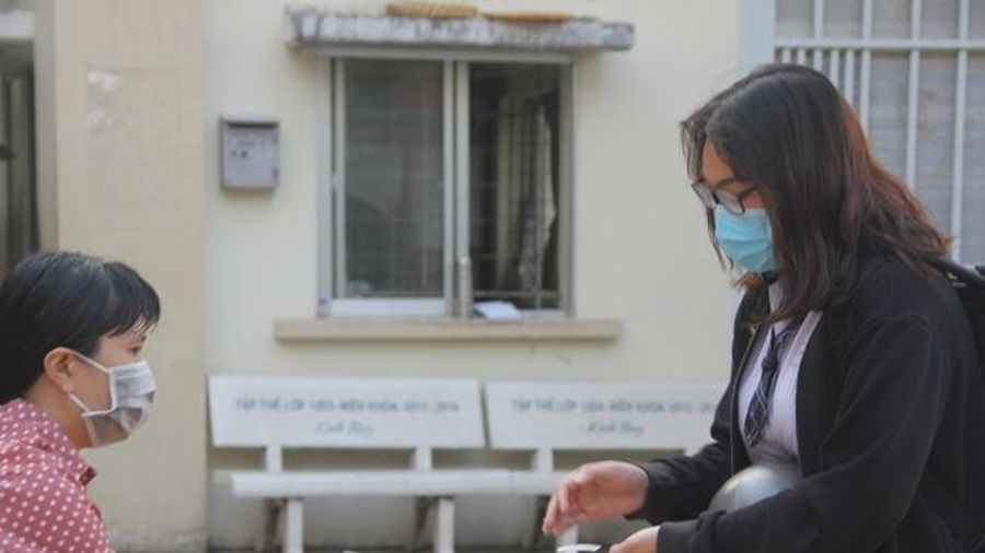TP.HCM: Siết chặt phòng dịch Covid-19 khi HS đi học trở lại