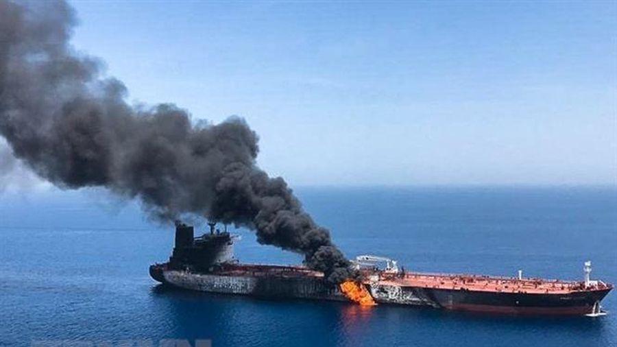 Nổ tàu trên Vịnh Oman, khuyến cáo các tàu đề cao cảnh giác