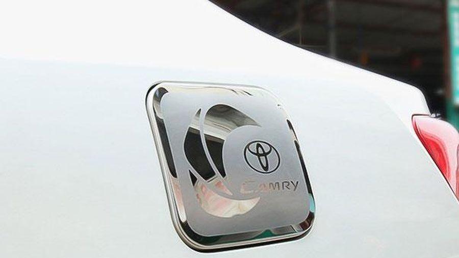 Cách xác định vị trí nắp bình xăng trên ôtô trong vài giây