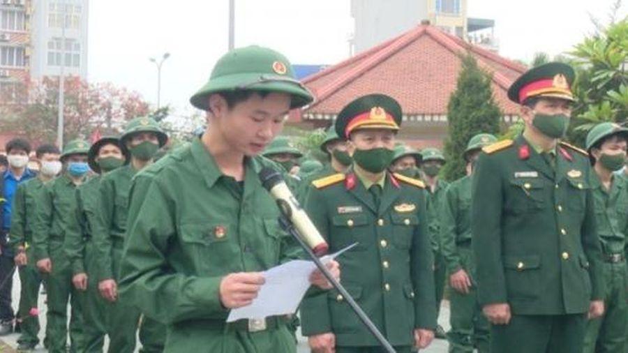 176 tân binh huyện Hoài Đức sẵn sàng lên đường thực hiện nghĩa vụ thiêng liêng của tuổi trẻ