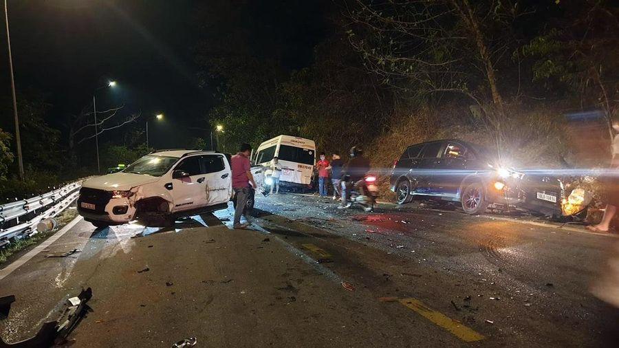 Tai nạn liên hoàn trên đèo Bảo Lộc, chưa xác định được thương vong