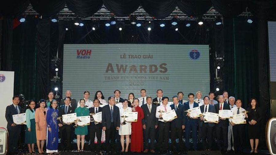 Chiến công chống dịch Covid-19 được vinh danh tại Thành tựu y khoa Việt Nam 2020
