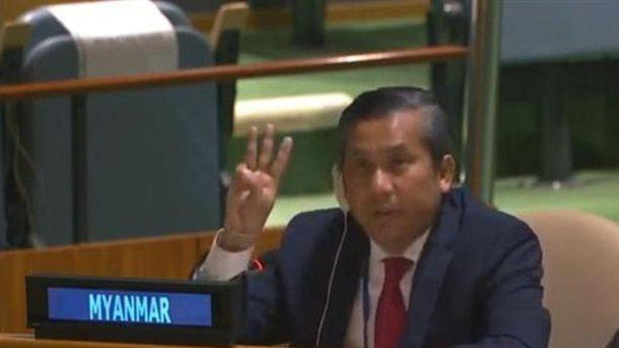 Đại sứ Myanmar tại Liên hợp quốc nghẹn ngào phản đối cuộc đảo chính