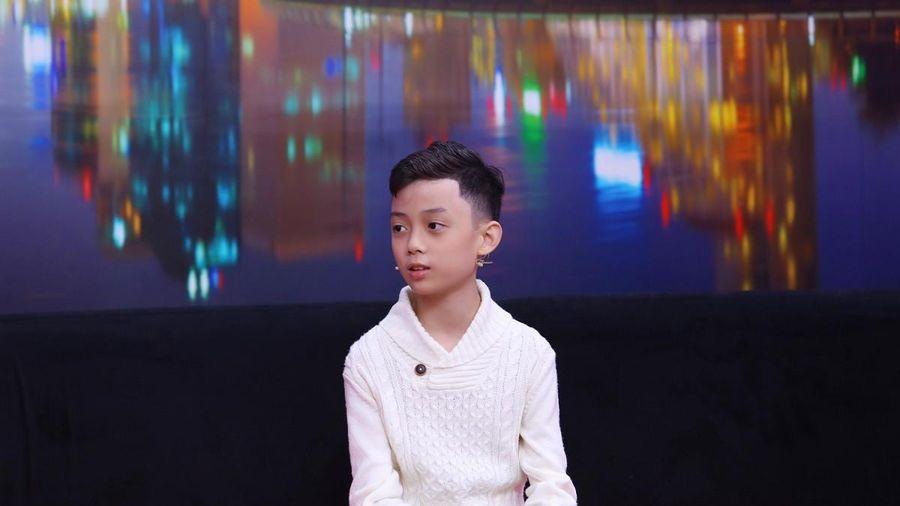 'Soobin Hoàng Sơn nhí' trái ý ba mẹ khi có ước mơ làm phi công
