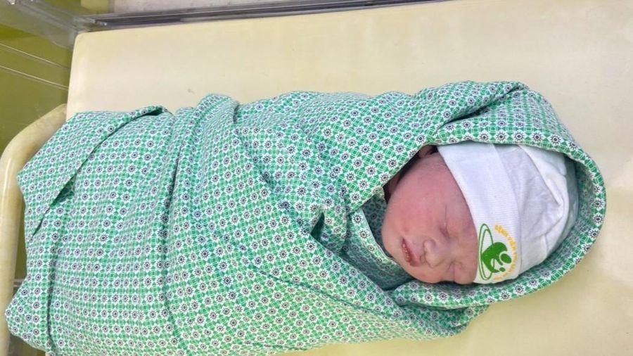 Nhờ được phát hiện nhịp tim nhanh, thai nhi chào đời khỏe mạnh