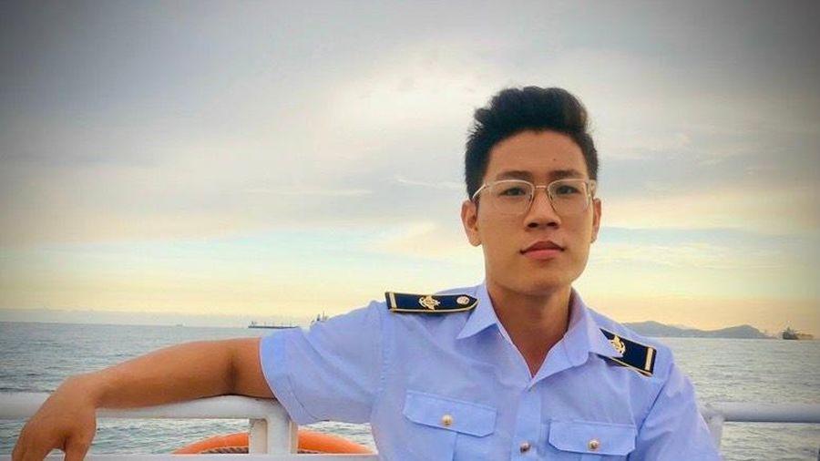 Kiểm dịch viên 27 tuổi và 365 ngày 'săn Covid-19' ở Tân Sơn Nhất