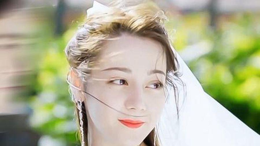 Tạo hình cô dâu của Địch Lệ Nhiệt Ba trong phim mới
