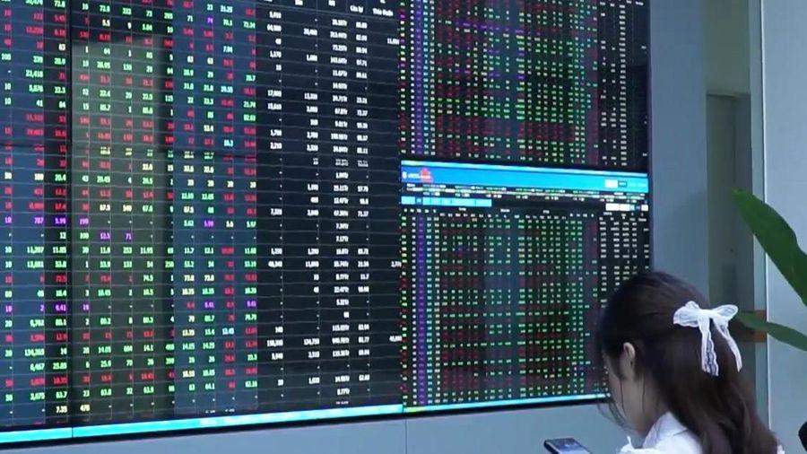 Một số cổ phiếu có thể chuyển từ HoSE sang HNX để giảm tải