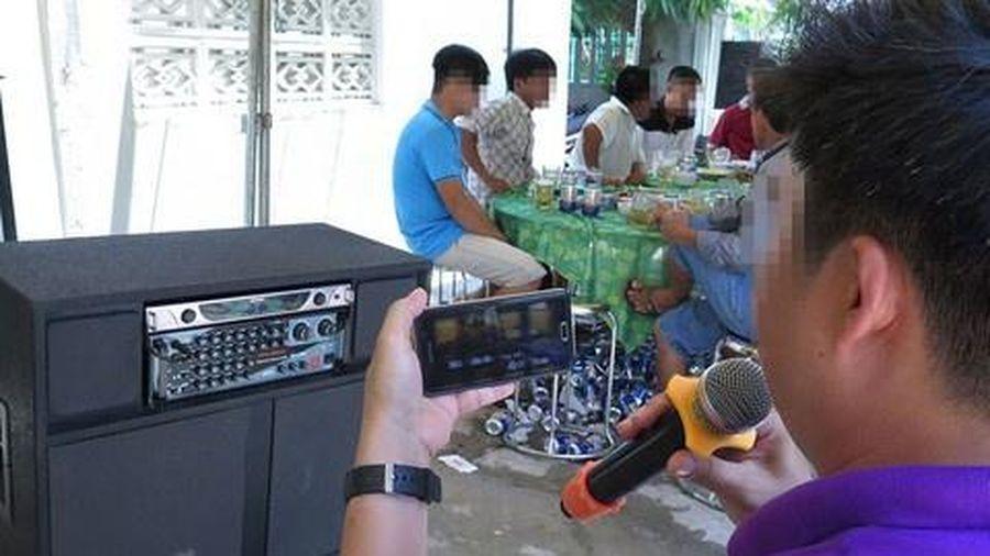 Chủ tịch TP.HCM chỉ đạo khẩn về xử lý karaoke tự phát