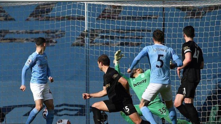 Man City thắng West Ham 2-1
