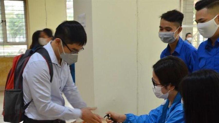 Đón sinh viên trở lại: Trường học đồng loạt triển khai biện pháp phòng dịch
