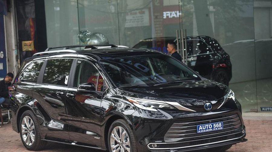 Đánh giá nhanh MPV hạng sang Toyota Sienna Platinum 2021 giá hơn 4 tỷ đồng tại Việt Nam