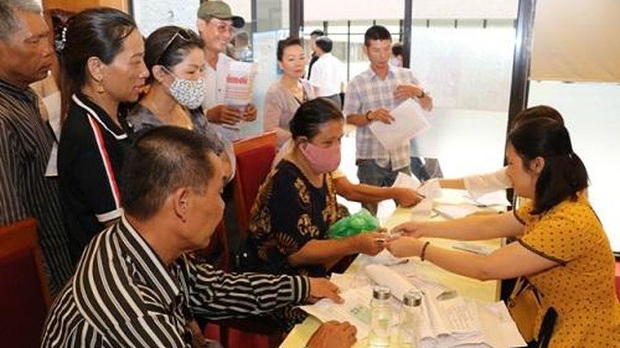 Thừa Thiên Huế: Thí điểm chi trả chính sách trợ giúp xã hội không dùng tiền mặt
