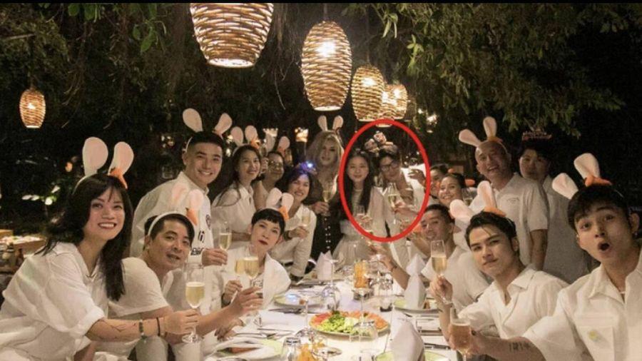 Dân mạng xôn xao tiệc sinh nhật của Ngô Thanh Vân là dịp để Huy Trần cầu hôn nữ diễn viên?