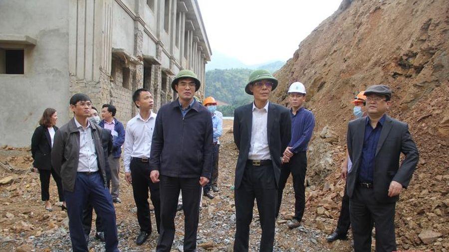 Khẩn trương khắc phục tình trạng sạt lở đất tại xã Trung Thành (Quan Hóa)