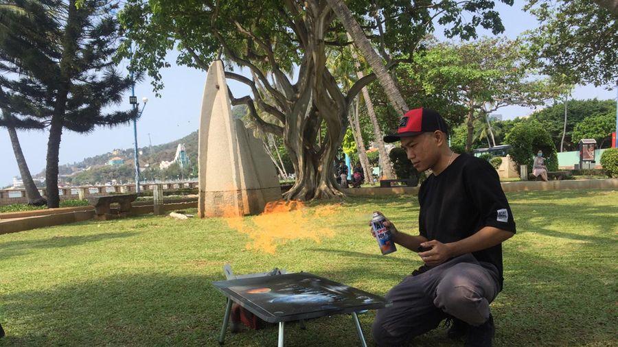 'Cây cọ' lạ lẫm Nguyễn Huỳnh Nhật Hoa