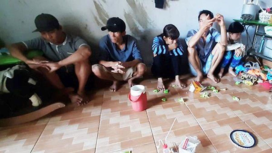 Bắt nhóm đối tượng mua bán, tàng trữ trái phép chất ma túy