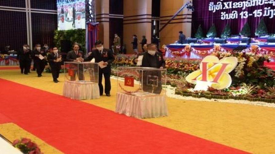 Việt - Lào: chung sức, chung lòng, kề vai sát cánh triển khai thực hiện tốt Nghị quyết Đại hội của mỗi Đảng