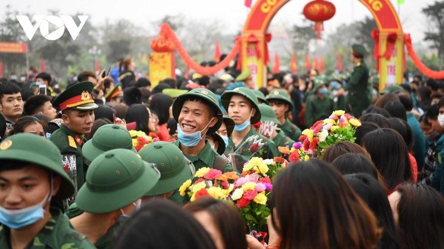 Hôm nay, 30 quận huyện của Hà Nội tổ chức lễ giao nhận thanh niên nhập ngũ